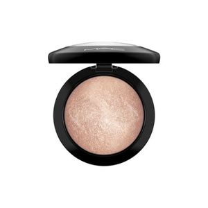 MAC  Mineralize Skinfinish -  Soft & Gental